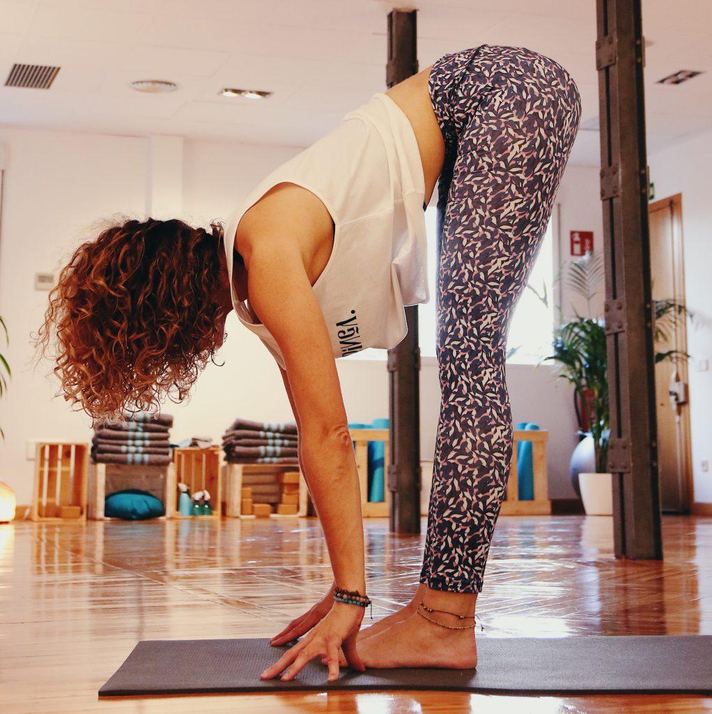 Yoga para principiantes, posturas de pie